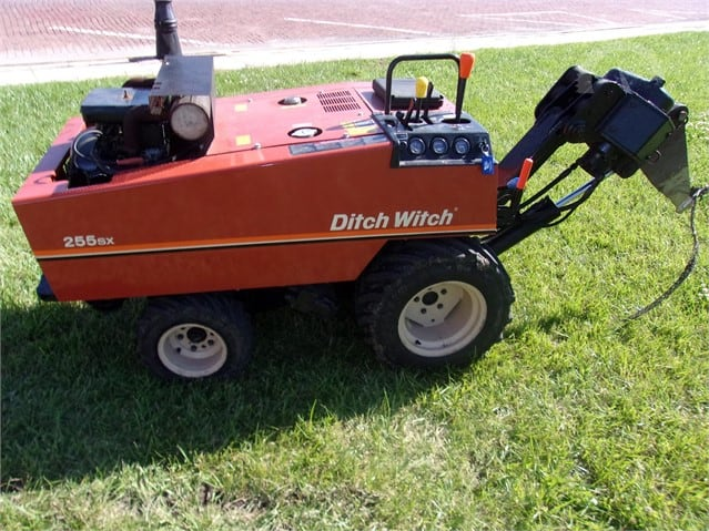 Ditch Witch 255SX